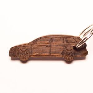 KeyCar Schlüsselanhänger VW Golf 6 Variant in Nussbaum fotografiert von Dominik Martin Photography